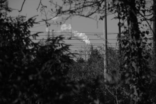 trail of smoke of the power station 'Hastedt'